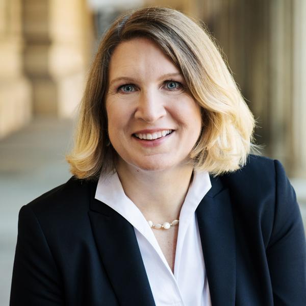 Esther Daßio, Fachanwältin für Bau- und Architektenrecht