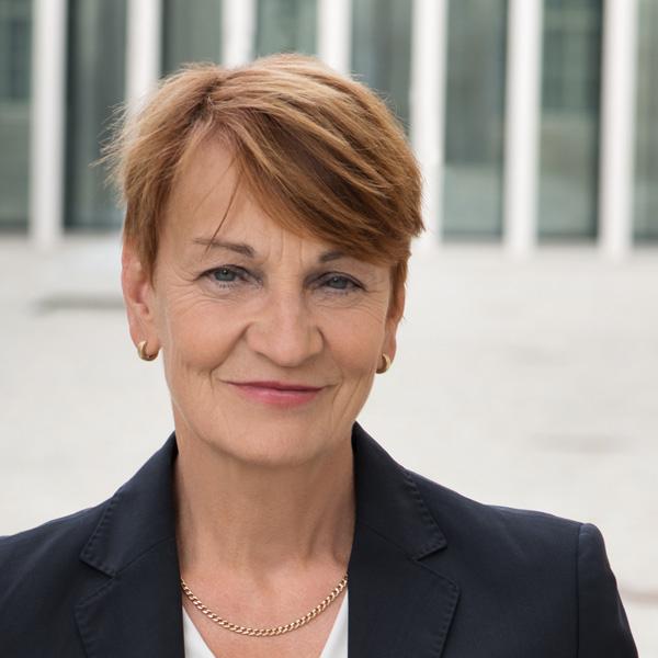 Gabriele Wenzelewski, Fachanwältin für Bau- und Architektenrecht
